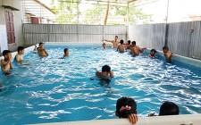 Nghĩa Đàn tổ chức các lớp học bơi cho thiếu niên, nhi đồng hè năm 2017