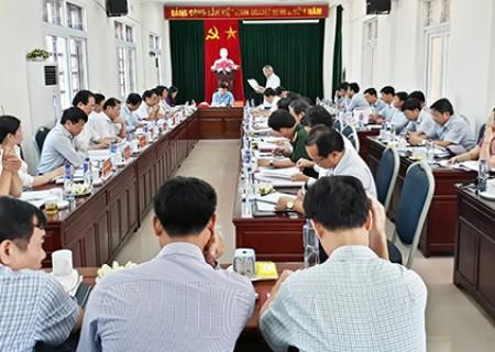 Đồng chí bí thư Tỉnh ủy Nguyễn Đắc Vinh làm việc với huyện Nghĩa Đàn