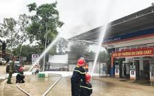 Diễn tập phương án chữa cháy tại cửa hàng xăng dầu