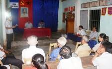 Đồng chí phó Bí thư Thường trực Huyện ủy Nghĩa Đàn dự sinh hoạt chi bộ xóm