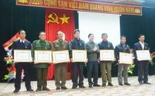 Trao tặng Huy hiệu Đảng cho 10 đảng viên
