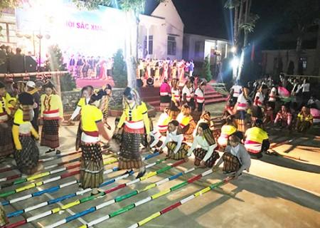 Nghĩa Đàn tổ chức đêm Hội sắc xuân năm 2018
