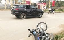 Va chạm mạnh với ô tô, 1 người bị thương nặng