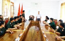 Đoàn cán bộ bộ chỉ huy Quân sự Xiêng Khoảng tham quan, học tập tại Nghĩa Đàn
