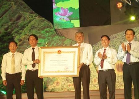 Lễ  kỷ niệm Nghĩa Đàn – 10 năm, một chặng đường phát triển và đón nhận huân chương lao động hạng nhất ( lần II )