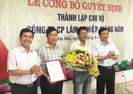 Công bố thành lập Chi bộ Đảng Công ty cổ phần lâm nghiệp tháng 5