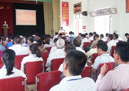 Đồng chí Lê Hồng Sơn làm việc với xã Nghĩa Trung