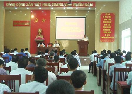 Hội nghị kiểm điểm giữa nhiệm kỳ thực hiện Nghị quyết Đại hội Đảng bộ huyện lần thứ XVIII, nhiệm kỳ 2015-2020
