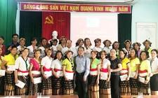 Bế giảng lớp dệt thổ cẩm tại xã Nghĩa Lạc