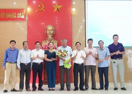 Gặp mặt, chia tay đồng chí Vi Văn Định