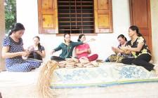 Phụ nữ Nghĩa Đàn phát triển nghề phụ cho thu nhập khá