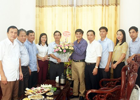 Chúc mừng ngày truyền thống các Ban Đảng và Văn phòng Huyện ủy