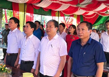 Đồng chí Phan Tiến Hải dự ngày hội đại đoàn kết toàn dân tộc tại xóm 2, xã Nghĩa Minh