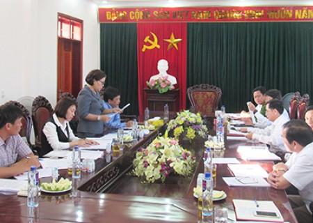 Đồng chí Nguyễn Thị Thu Hường làm việc với BTV Huyện ủy Nghĩa Đàn về kết quả việc lãnh đạo, chỉ đạo, tổ chức thực hiện Nghị quyết số 29-NQ/TW