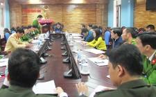 Đồng chí Lê Hồng Sơn làm việc với Công an huyện