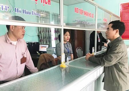 Đồng chí Phan Tiến Hải kiểm tra công tác làm việc đầu năm tại tại các xã