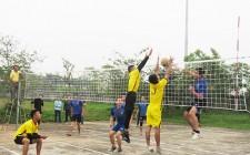 100 vận động viên tham gia giải bóng chuyền nam công nhân – công chức – viên chức năm 2019