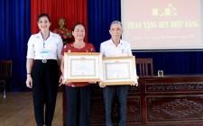 Đảng bộ xã Nghĩa Tân tổ chức Lễ trao Huy hiệu Đảng