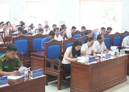 Phiên họp định kỳ 6 tháng đầu năm của UBND huyện