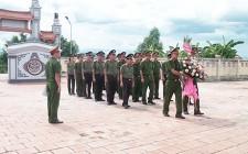 Chi đoàn Công an huyện Nghĩa Đàn tổ chức dâng hương, dâng hoa tưởng niệm các anh hùng liệt sỹ