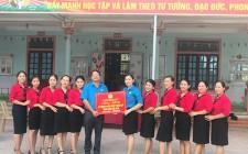 Gắn biển công trình chào mừng 90 năm thành lập Công đoàn Việt Nam