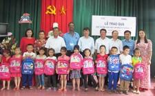 Na Su tặng 1.040 suất qùa cho học sinh Nghĩa Đàn