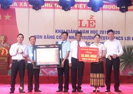 Trường Phổ thông dân tộc bán trú THCS Lợi Lạc đón chuẩn Quốc gia mức độ 1