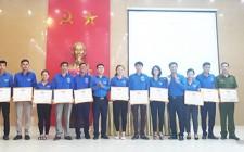 Tổng kết chiến dịch hè tình nguyện, khen thưởng 18 tập thể 12 cá nhân