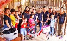 Trao tặng 10 xe đạp cho học sinh khó khăn