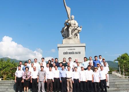 Đoàn đại biểu huyện Nghĩa Đàn thăm và làm việc với huyện Ba Tơ (Quảng Ngãi )