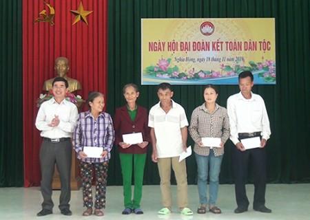 Đồng chí Phan Tiến Hải dự Ngày hội đại đoàn kết toàn dân tộc tại xã Nghĩa Hồng