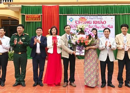 Đồng chí Phan Tiến Hải chúc mừng  ngày nhà giáo Việt Nam 20/11