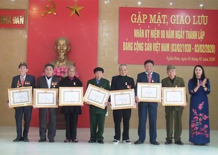 Gặp mặt và giao lưu các thế hệ đảng viên nhân dịp kỷ niệm 90 năm ngày thành lập Đảng cộng sản Việt Nam ( 3/2/1930 – 3/2/2020 )