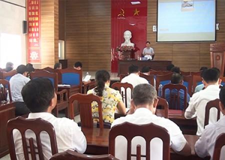 Hội nghị giao ban Hội đồng nhân dân huyện Nghĩa Đàn