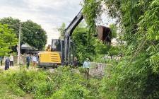 Cơ quan UBND huyện giúp đỡ xóm Nho Hạp  xã Nghĩa An xây dựng NTM