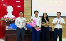 Ông Lê Thái Hùng được bầu giữ chức phó chủ tịch UBND huyện