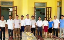 Huyện ủy Nghĩa Đàn Tổ chức trao tiền hỗ trợ sửa sang nhà văn hóa xóm Hữu Lập ( Nghĩa An )