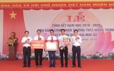 Trường THCS Nghĩa Trung đón nhận bằng công nhận đạt chuẩn Quốc gia