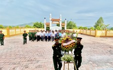 Nghĩa Đàn dâng hương tại nghĩa trang liệt sỹ
