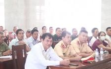 Đội Cảnh sát Giao thông Công an huyện Nghĩa Đàn tuyên truyền pháp luật về trật tự ATGT cho CCB