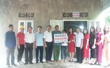 Hội Doanh nghiệp nữ Nghệ An bàn giao nhà đại đoàn kết cho hộ nghèo đồng bào DTTS