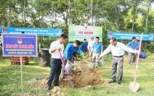Huyện đoàn Nghĩa Đàn ra quân ngày chủ nhật xanh và đợt trồng cây chào mừng Đại hội Đảng các cấp
