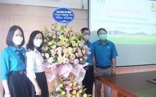LĐLĐ tỉnh chúc mừng công ty cổ phẩn thực phẩm sữa TH nhân ngày doanh nhân Việt Nam