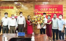 Lãnh đạo huyện Nghĩa Đàn chúc mừng ngày doanh nhân Việt Nam 13/10