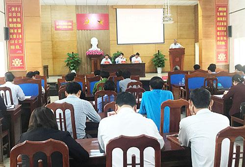 UBND huyện Nghĩa Đàn họp phiên định kỳ quí 1