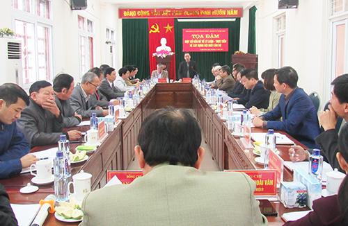 Hội đồng lý luận Trung ương khảo sát công tác xây dựng đội ngũ cán bộ huyện Nghĩa Đàn