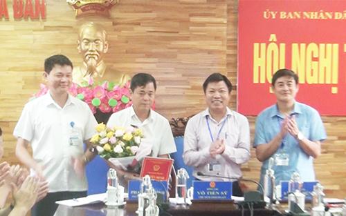 Công bố quyết định bổ nhiệm Chánh Thanh tra UBND huyện